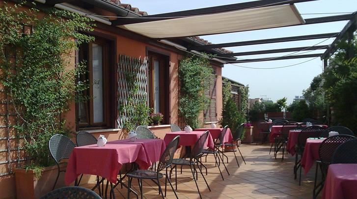 Rome, Hotel Columbia, Terras