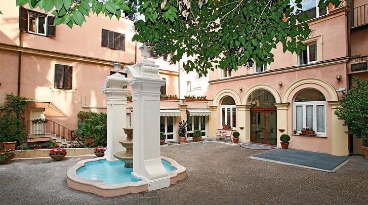 Rome, Hotel Domus Romana, Tuin