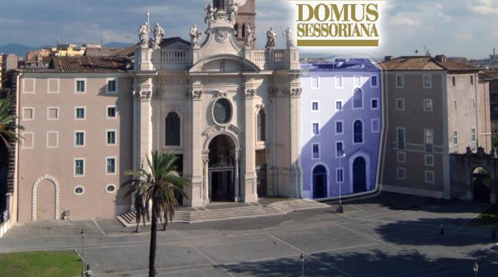 Rome, Hotel Domus Sessoriana, Façade hotel