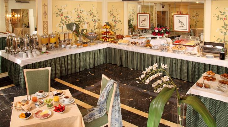 Rome, Hotel Donna Laura Palace, Ontbijtbuffet