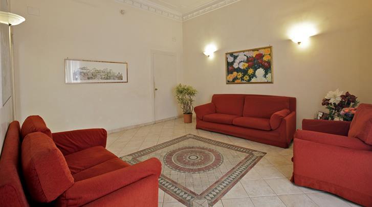 Rome, Hotel Embassy, Lobby