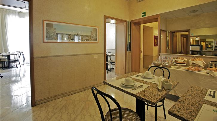 Rome, Hotel Embassy, Ontbijtrestaurant