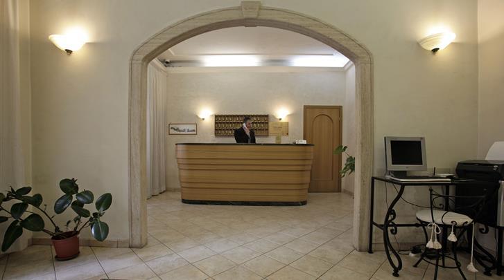 Rome, Hotel Embassy, Receptie
