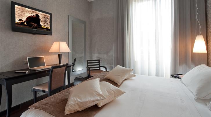Rome, Hotel Fiume