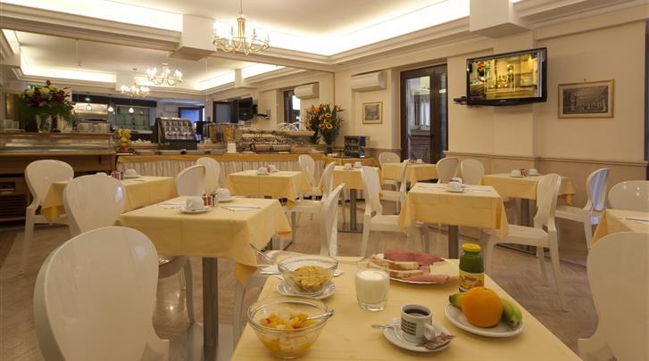 Rome, Hotel Galileo, Ontbijtbuffet