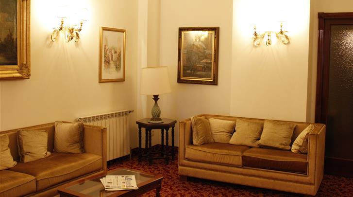 Rome, Hotel Genio, Lobby