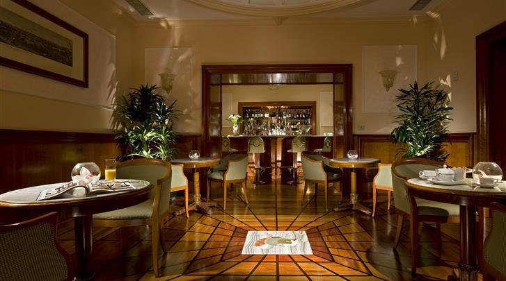 Rome, Hotel GH de la Minerve, Hotel bar