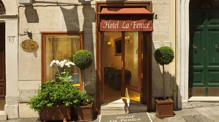 Rome, Hotel La Fenice, Façade hotel
