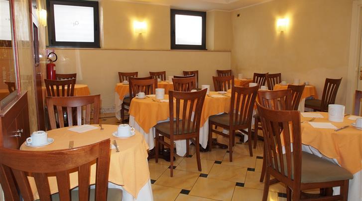 Rome, Hotel Osimar, Ontbijtruimte