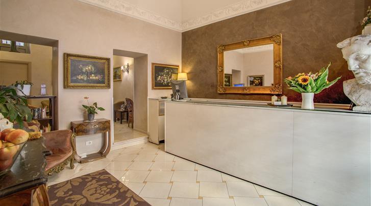 Rome, Hotel Picasso, Receptie