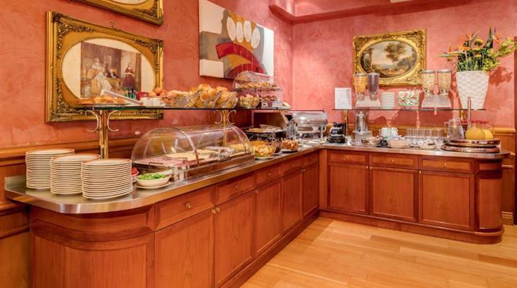 Rome, Hotel Raffaello, Ontbijtbuffet