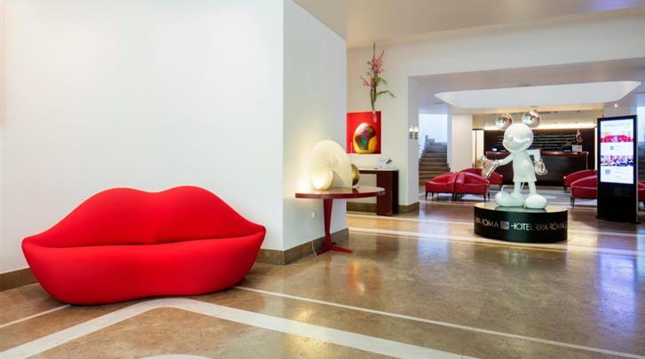 Rome, Hotel Ripa, Lobby