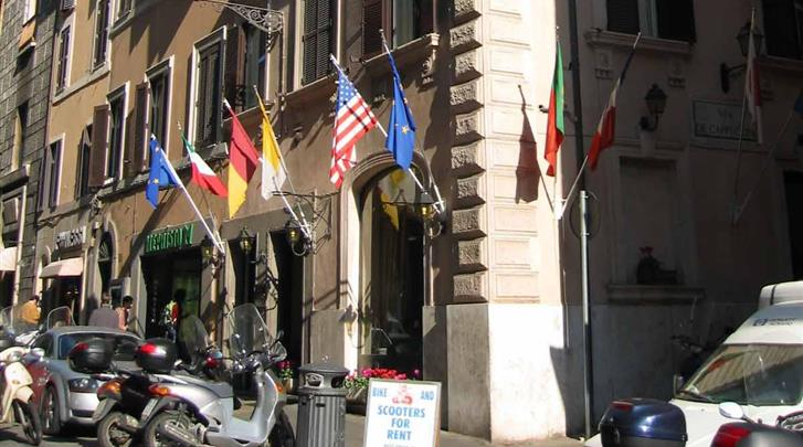 Rome, Hotel Sistina, Façade hotel