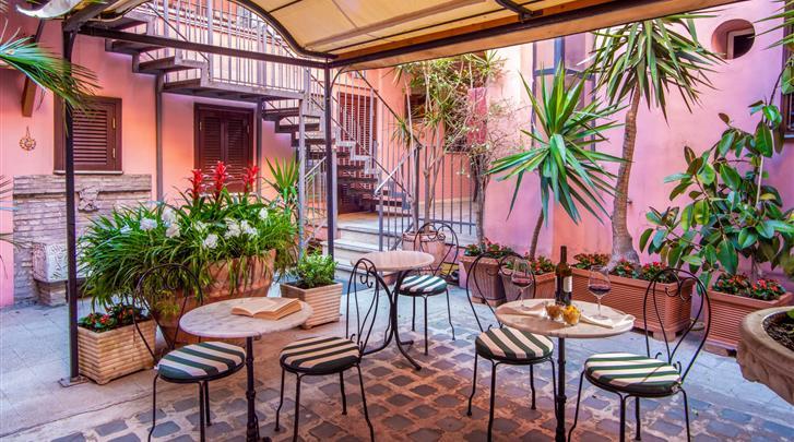 Rome, Hotel Sole Roma, Terras