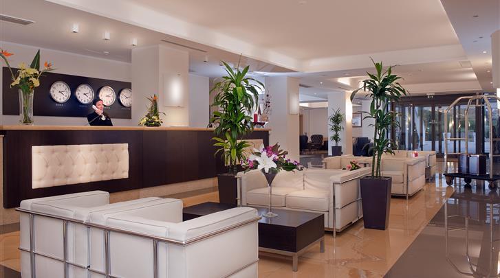 Rome, Hotel St. Peter Cardinal, Lobby