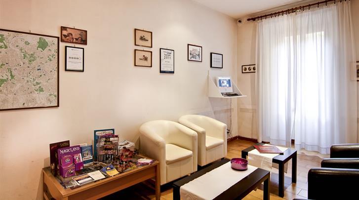 Rome, Hotel Taormina, Lobby
