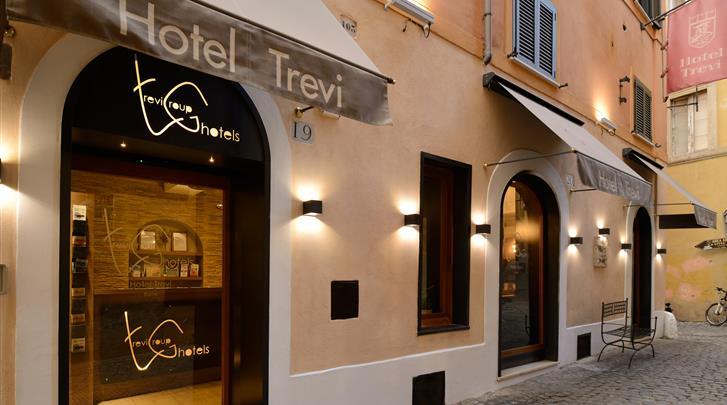 Rome, Hotel Trevi, Façade hotel
