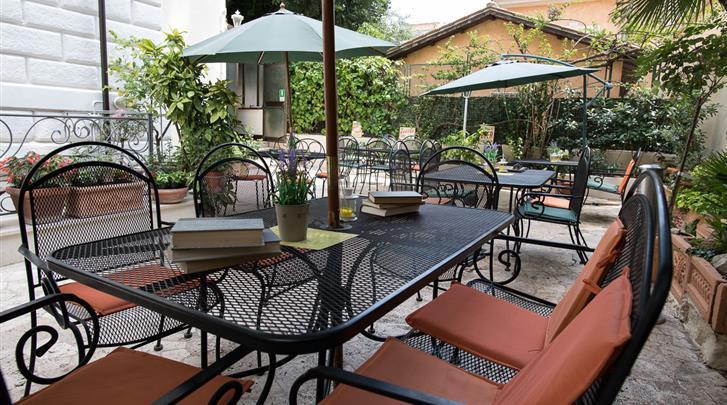 Rome, Hotel Villa delle Rose, Terras