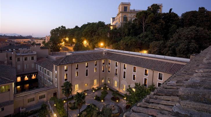 Rome, Hotel VOI Donna Camilla Savelli, Façade hotel