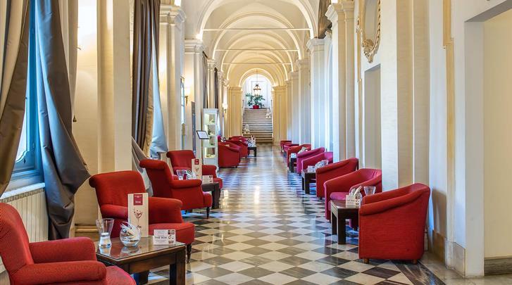 Rome, Hotel VOI Donna Camilla Savelli, Lobby