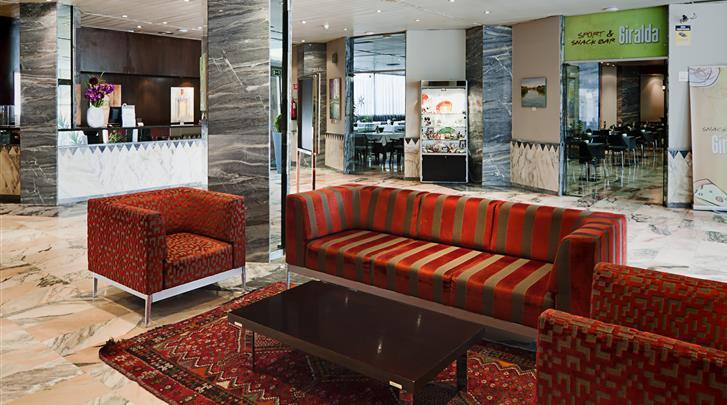 Sevilla, Hotel Catalonia Giralda, Lobby