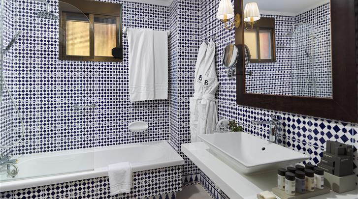 Sevilla, Hotel H10 Corregidor Boutique, Badkamer familiekamer