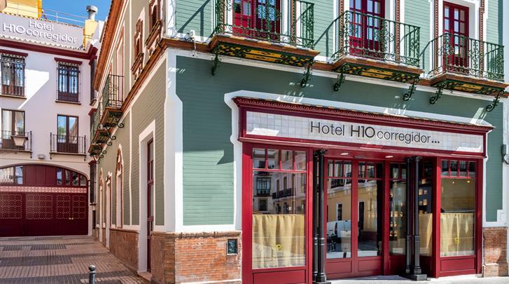 Sevilla, Hotel H10 Corregidor Boutique, Façade hotel