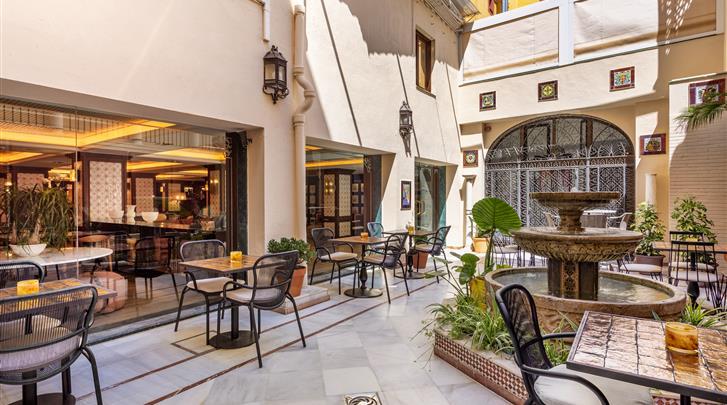 Sevilla, Hotel H10 Corregidor Boutique, Patio