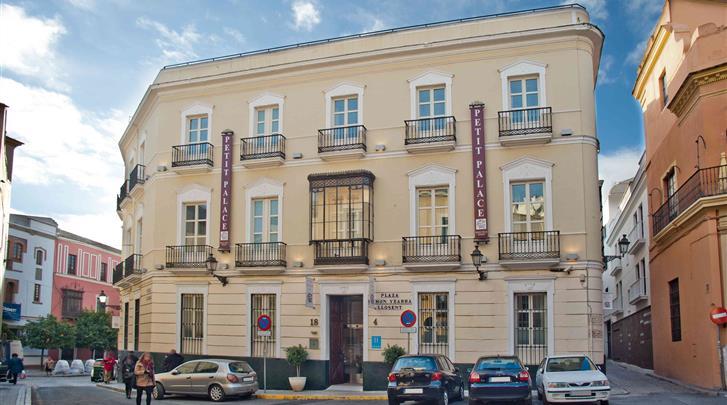 Sevilla, Hotel Petit Palace Santa Cruz, Façade hotel
