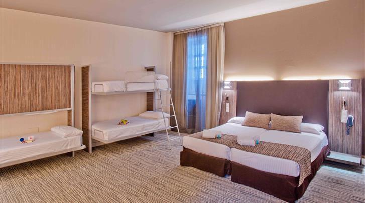 Sevilla, Hotel Petit Palace Santa Cruz, Familiekamer