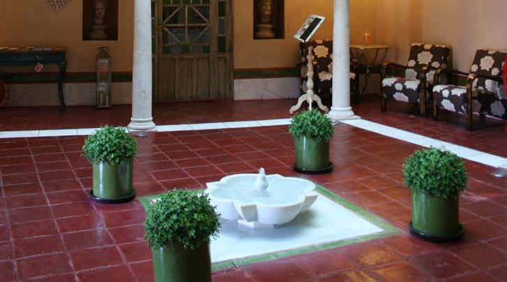 Sevilla, Hotel Sacristia de Santa Ana, Patio