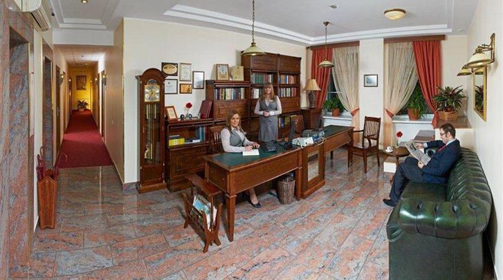 St. Petersburg, Hotel Arbat Nord, Receptie