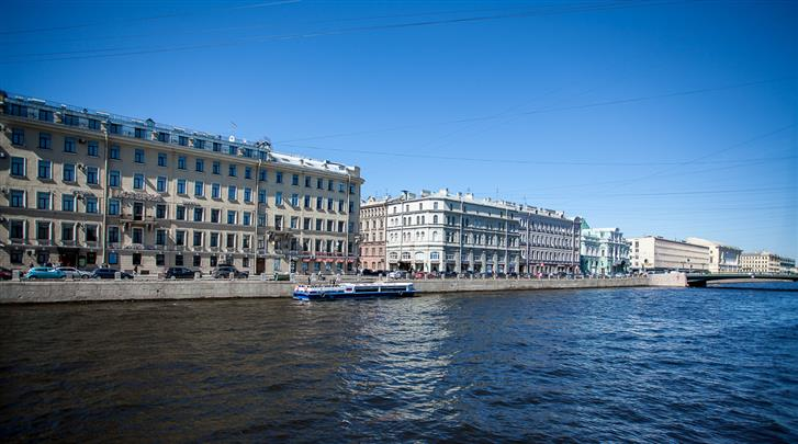 St. Petersburg, Hotel Asteria, Façade vanaf de rivier