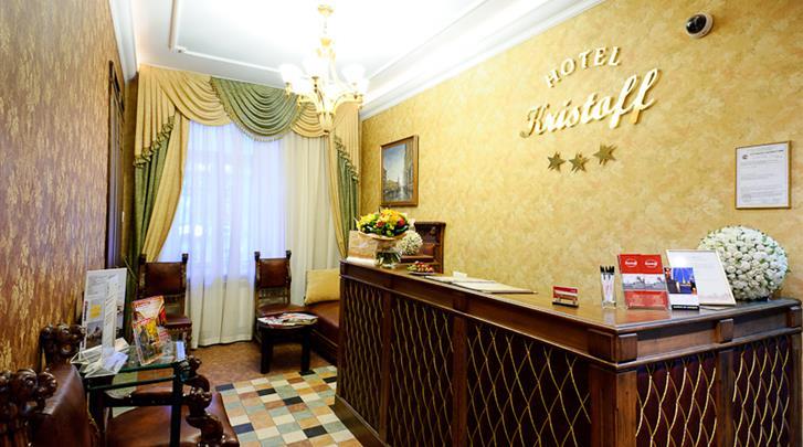 St. Petersburg, Hotel Kristoff, Receptie