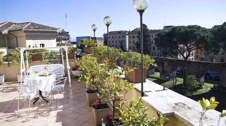 Rome, Hotel Bled, Terras