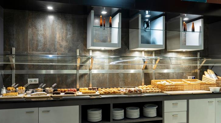 Valencia, Hotel Ilunion Aqua 4, Ontbijtbuffet