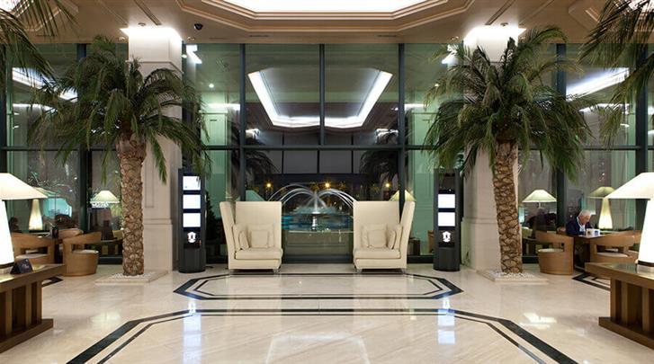 Valencia, Hotel Las Arenas Balneario Resort, Lobby