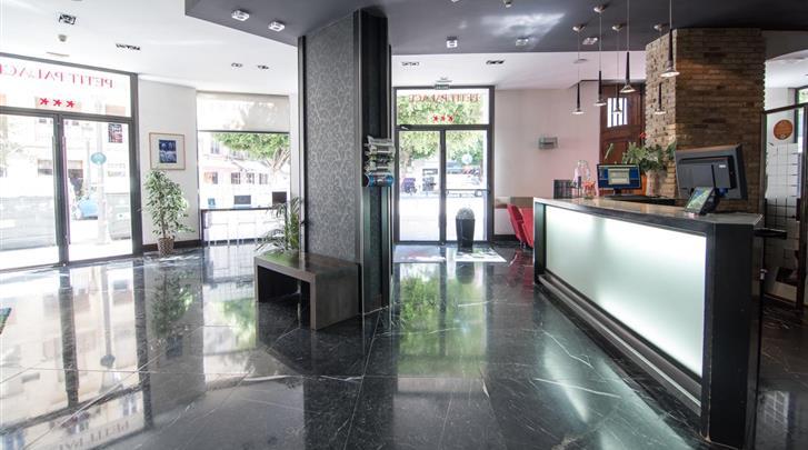 Valencia, Hotel Petit Palace Ruzafa, Receptie