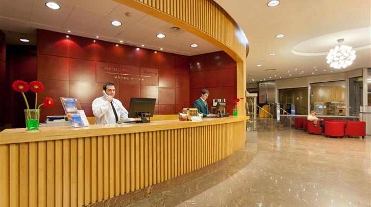 Valencia, Hotel Senator Parque Central, Receptie