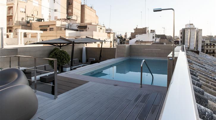 Valencia, Hotel Vincci Mercat, Dakterras met zwembad