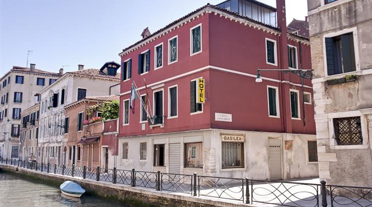 Venetië, Hotel Basilea, Façade hotel