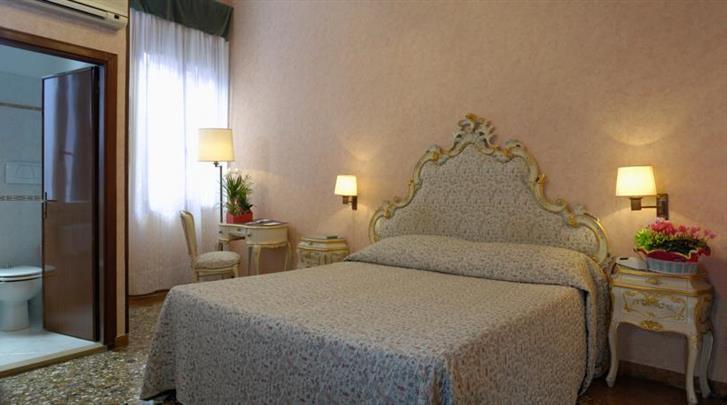 Venetië, Hotel Basilea, Standaard kamer