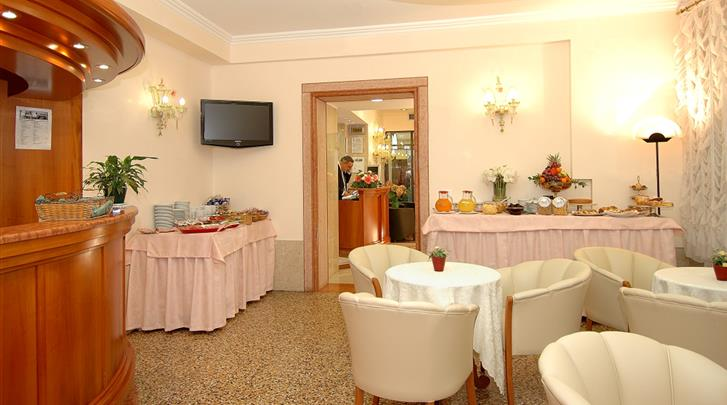 Venetië, Hotel Da Bruno, Ontbijtruimte