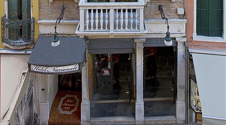 Venetië, Hotel Nazionale, Façade hotel