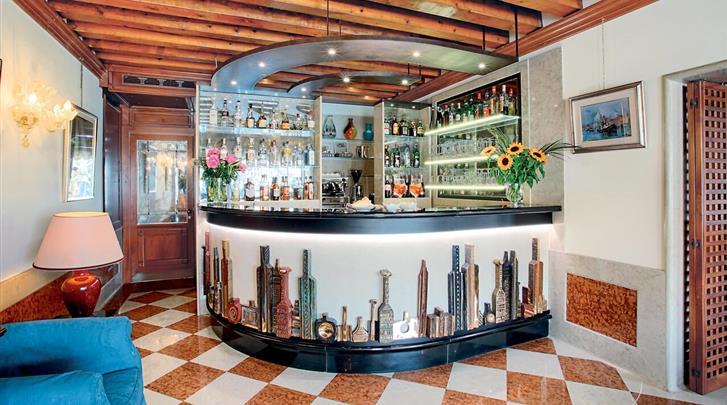 Venetië, Hotel Santa Chiara, Hotel bar