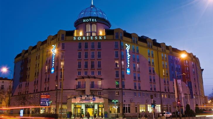 Warschau, Hotel Radisson Blu Sobieski, Façade hotel