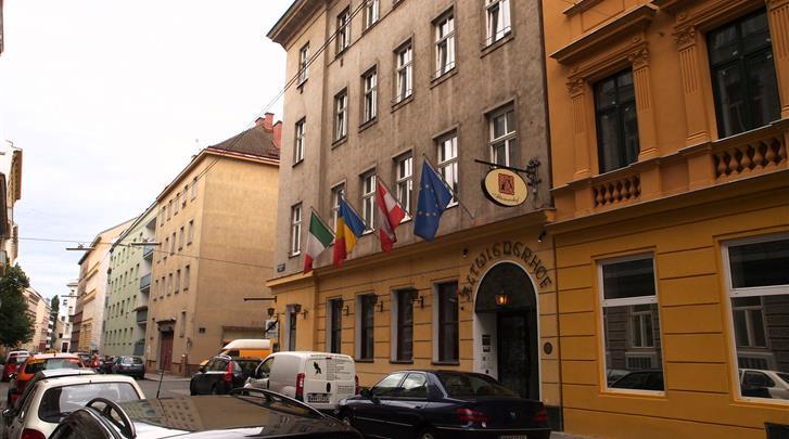 Wenen, Hotel Altwienerhof, Façade hotel