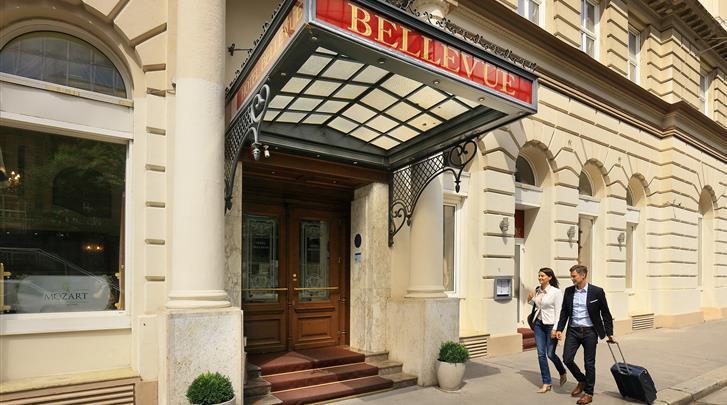 Wenen, Hotel Bellevue, Façade hotel