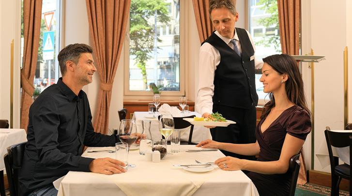 Wenen, Hotel Bellevue, Restaurant