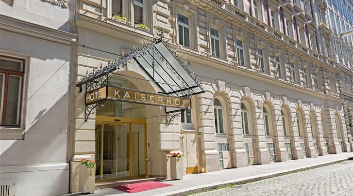 Wenen, Hotel Kaiserhof, Façade hotel